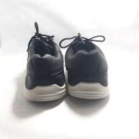 sneackers / sepatu formal /sepatu pria