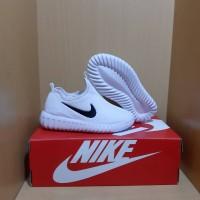 Sepatu Anak Nike slip on white 31-35