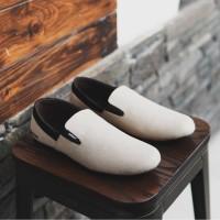 Sepatu pria Kasual Slop Adidas Easy Cream