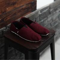 Sepatu Pria Slip On Santai Wakai Merah