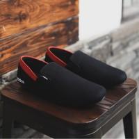 Sepatu Pria Slip On Adidas Easy Hitam