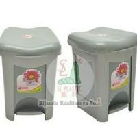 (Khusus GOJEK instant )tempat sampah tong sampah injak silver 10 liter