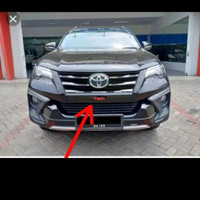 Lis cover bawah grill Fortuner TRD