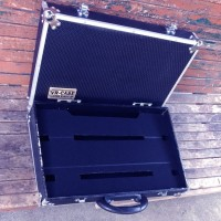 Hardcase Efek Gitar Ukuran 35 x 70 x 13 cm