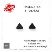 Anting Magnet / Anting Pria Magnet Hitam Segitiga 1 Pasang