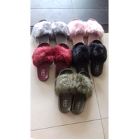 Sandal Slop Bulu Fenty