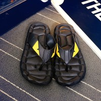PVC Musim Panas Pria Pantai Sandal Sepatu Indoor Desain Mewah Keren