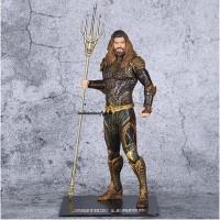 Action figure DC Comics Aquaman ARTFX justice league 1/10 statue