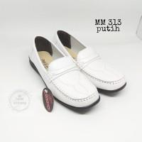 sepatu pantofel putih kerja sekolah kuliah perawat wanita