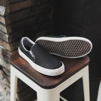 Vans OG Hitam Sepatu Pria Casual Slop Santai Trendy