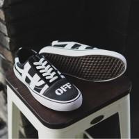 Vans Oldskool Off White Sneakers Kets Pria