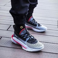 """UNDER ARMOUR STEPHEN CURRY 7  UNDERATED """""""