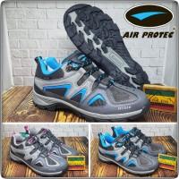 Sepatu Gunung / Sepatu Hiking Air Protec Freedom Water Resistant