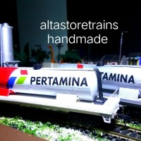 miniatur Kereta api gerbong minyak paket