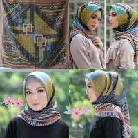 Kerudung/Hijab Deenay Kawe Motif BUENO Print Scarf Hijau