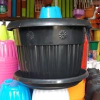 pot bunga plastik hitam GRACE 40cm &tatakan bawah