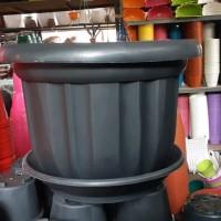 pot bunga plastik hitam 50cm &tatakan bawah
