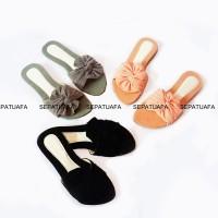 Sandal Sendal Flat Shoes Wanita Motif Kipas SK05 - Abu abu