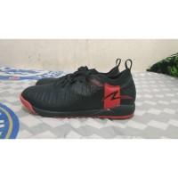 Sepatu Futsal Specs Swervo Thunderbolt