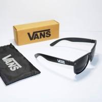 Kacamata vans logo font