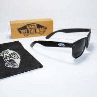 Kacamata vans logo