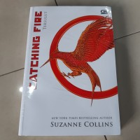 Novel Catching Fire (Tersulut) (The Hunger Games #2) - Suzanne Collins