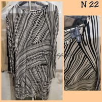 N22 Baju Dress Lengan Panjang Hitam Putih Merk Mango MNG Collection