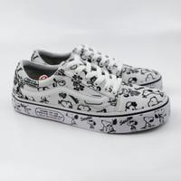 Sepatu Sneakers Pria Vans Old Skool X Peanuts Snoopy Premium Waffle DT