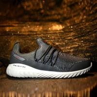 sepatu sneakers pria sepatu running merek 7ray tipe Cortez ukuran38-43