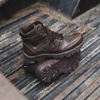 Sepatu Pria Boots Safety Crocodile Endure Coklat