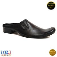 Sepatu sandal selop model lancip bahan kulit asli bustong pria clw 022
