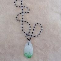 kalung batu giok hijau