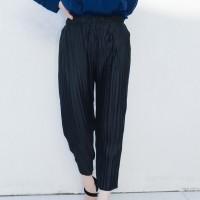 Kakuu Basic - Pleat Pull-Up Pants