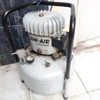 Silent Air Compressor /Kompresor Jun-Air Made In Denmark - Need Repair