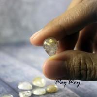 Batu Cendana Serat Emas