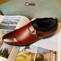 Kaizen Sepatu Pantofel Slip On Kulit Formal Pria 7-010 Size 39-47 - Hitam, 44