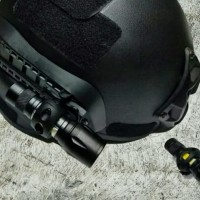 Mounting Rail plus Senter mini helm Mich Tactical