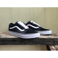 Sepatu Sneakers Wanita Vans Old Skool Black/White 100% Original Resmi