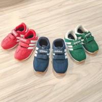 sepatu sneakers sport casual adidas terbaru anak laki laki perempuan