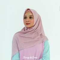 Jilbab Kerudung Hijab Segi Empat ScoopAndCone Embossed Dusty Pink Ori