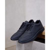 Sepatu Sneakers Pria Hitam Kulit Casual - TRAX BLACK - Oxwalker Ori
