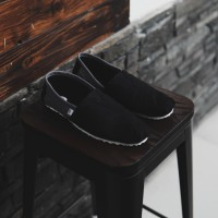 Sepatu Pria Slip On Kasual Santai Wakai Hitam Abu