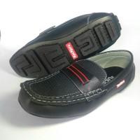 sepatu santai pria sepatu casual sepatu slip on sepatu flat