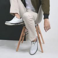 Sepatu Sneakers Libra White