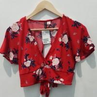 H&M crop top bunga sexy baju pantai