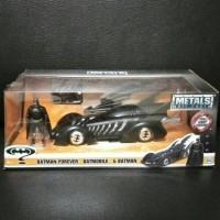 Metal Diecast Jada 1/24 Batmobile + Figure Batman 4Ever