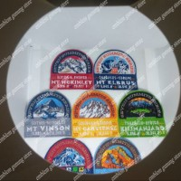 patch atau emblem atau bordiran seven summit dunia