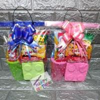 Paket souvenir ulang tahun Snack,kotak makan Lego dan gelas tutup