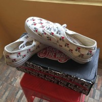 """Sepatu Vans Authentic Original I Love NY"""""""