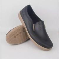 Sepatu Pantofel Karet Pria Formal Sepatu karet ATT AWK 557
